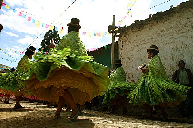 Cholita Dance