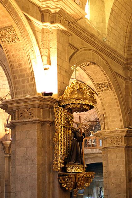 Cross La Paz Church