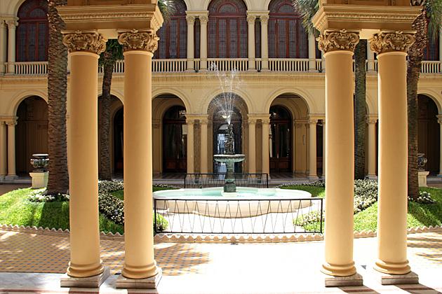 Casa Rosada Fontan