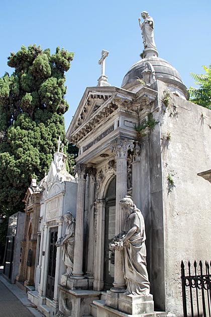 mausoleum-buenos-Aires