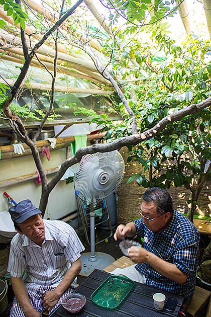 Eating-Patbingsu
