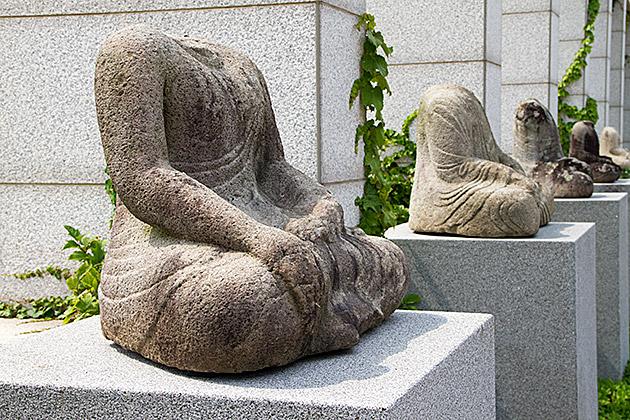 No Head Buddha