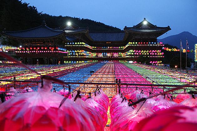 Samgwangsa-Lantern-Temple