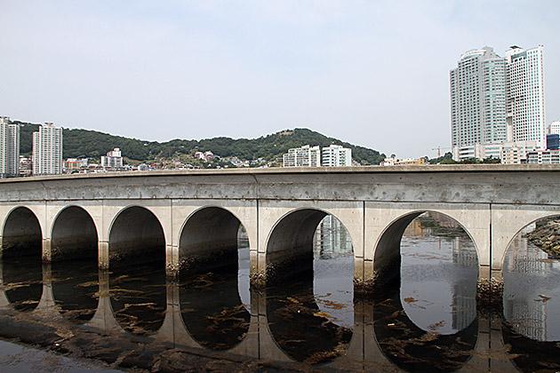 Songdo-Beach-Bridge