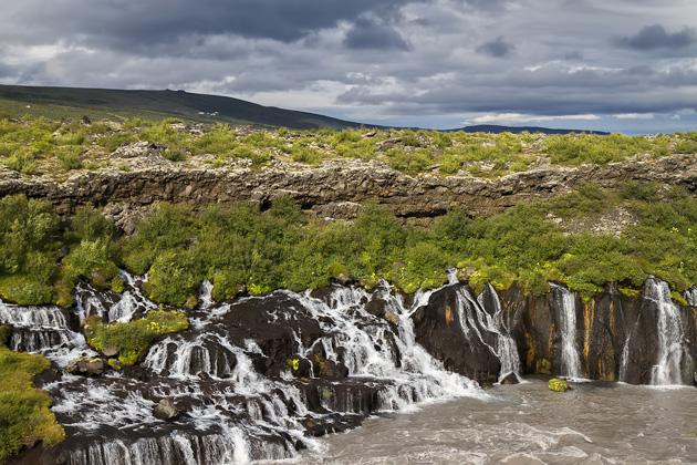 Hraunfoss Wasserfall