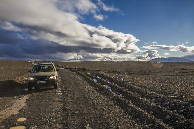 Rent Car F35 Iceland