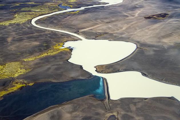 Very Strange Lakes