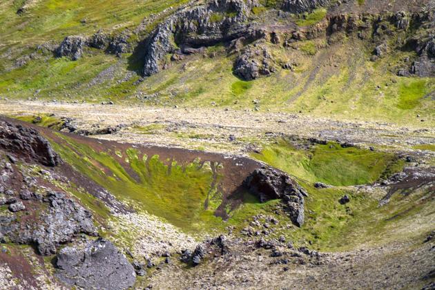 Rauðholl Iceland