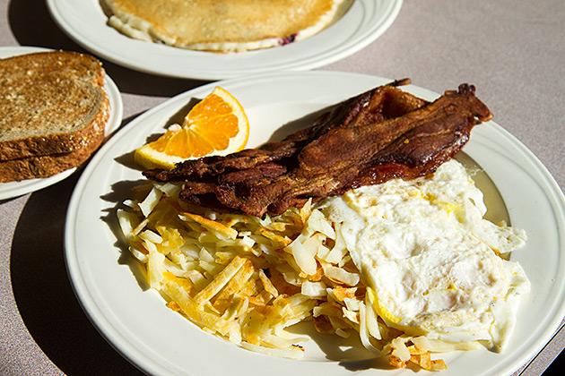 Healthy-American-Breakfast