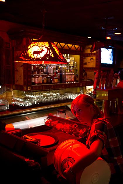 Girl-Working-In-Bar