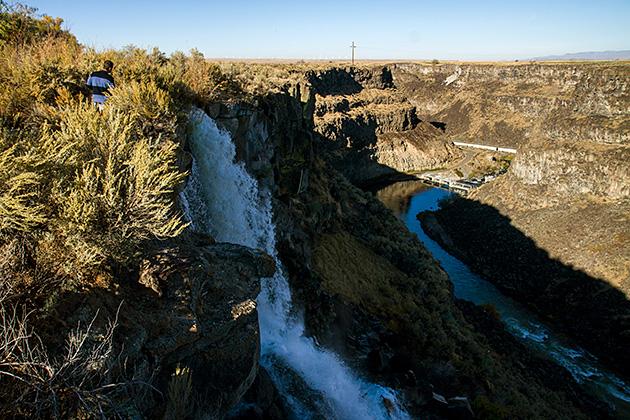 Malad-Gorge-Waterfall