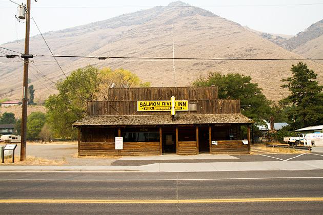 Saloon-Riggins