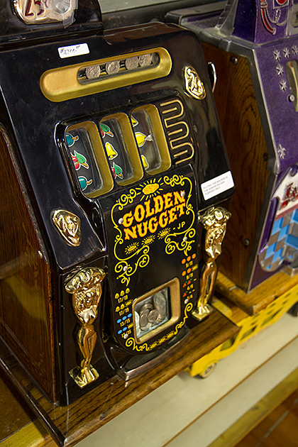Golden-Nugget-Slot-Machine