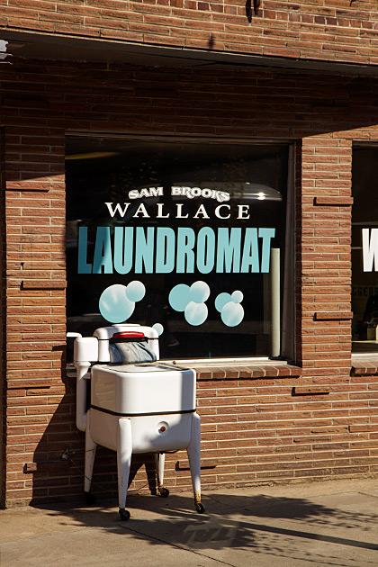 Wallace-Laundromat