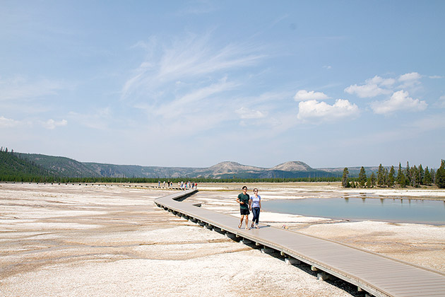 Yellowstone-Walk
