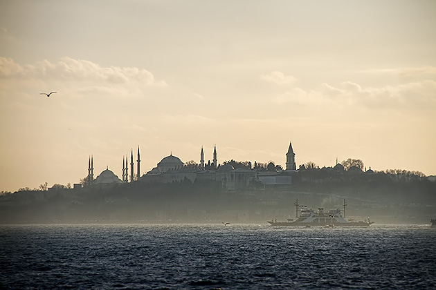 Sunset-Ferry-Ride-Istanbul