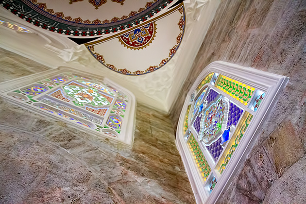 Beautiful-Stained-Glass-Uskudar