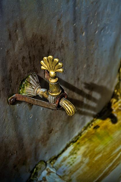 Mosque-Faucet