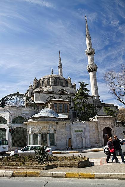 Yeni-Valide-Camii-Istanbul