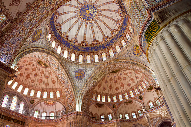 Domes-Of-The-Blue-Mosque-Inside
