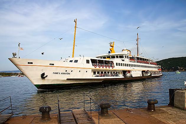 Island-Ferries-Istanbul