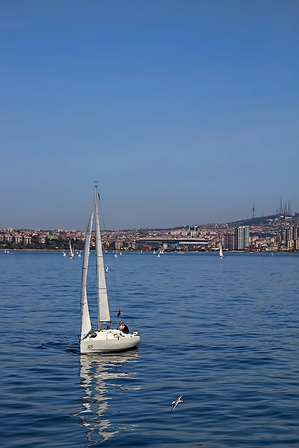 Sailing-In-Istanbul