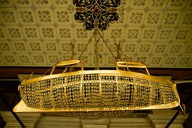 Golden-Ship-Lamp-Greek-Orthodox-Istanbul