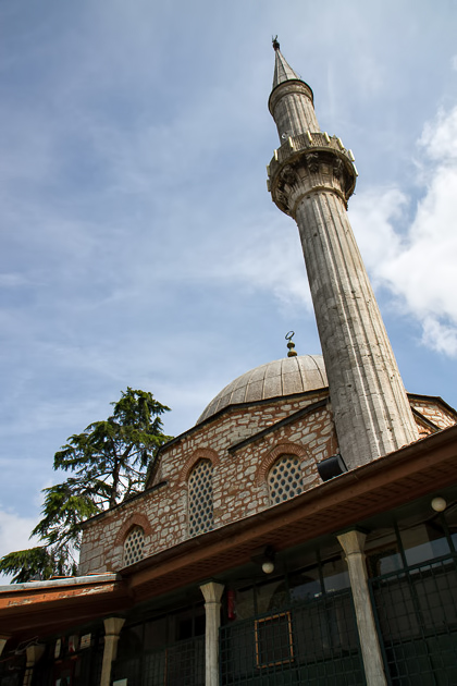 Çınılı Camii