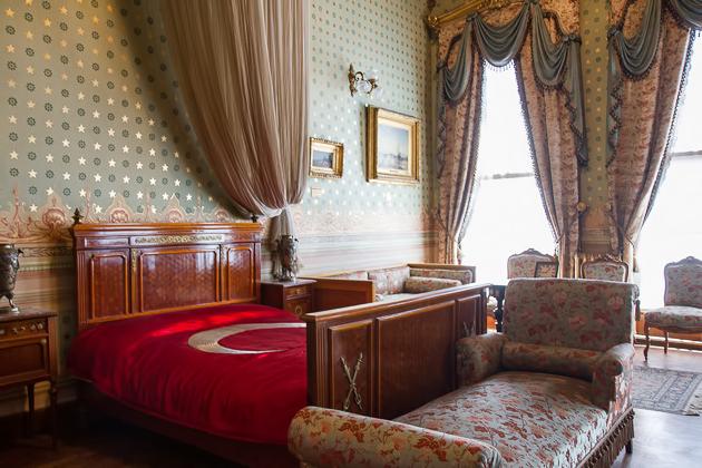 Dolmabahçe Atatürk Bed Bett