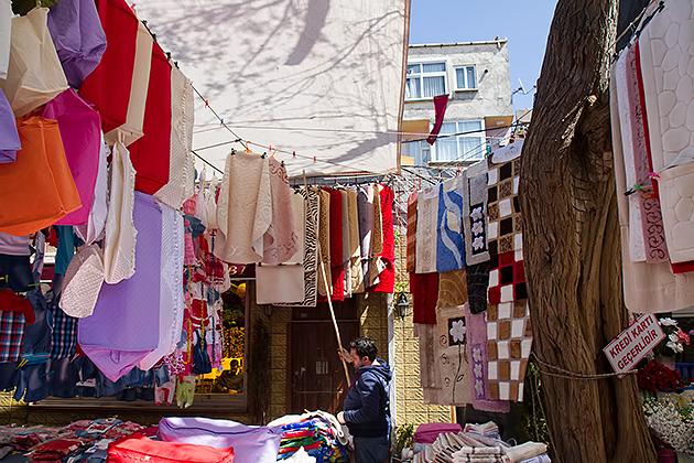 Crazy-Market-Istanbul