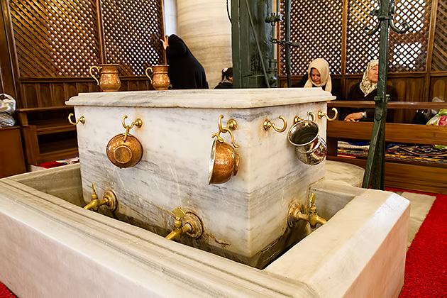 Fatih-Camii-Inside-Fountain