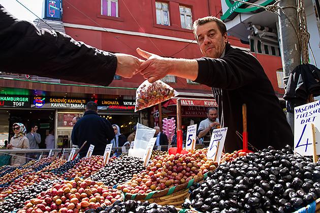 Olive-Dealer-Istanbul