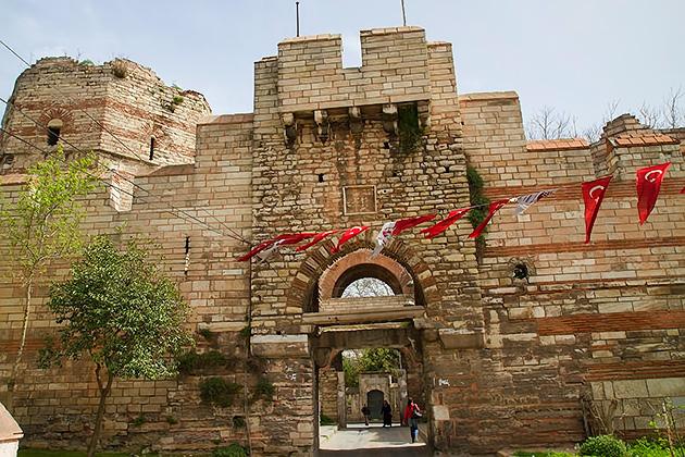 Belgrade-Gate-Istanbul