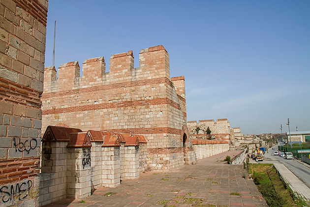 Land-Walls-of-Theodosius