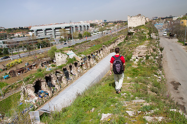 Walking-the-Istanbul-City-Walls