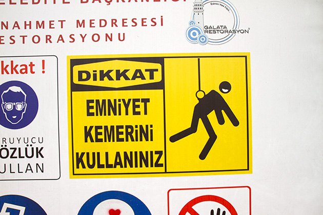 Human-On-A-String-In-Istanbul