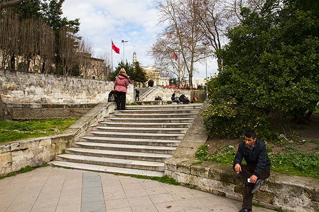 Smoking-Break-In-Istanbul