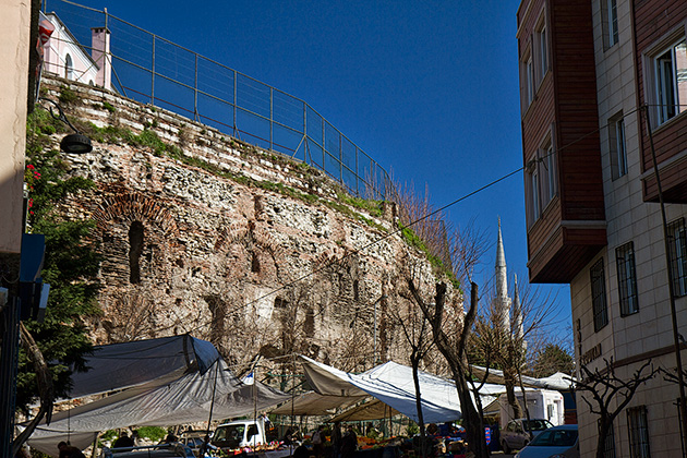 Outer-Wall-Hippodrome