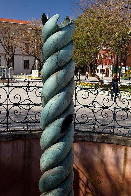 Serpentine-Column-Istanbul