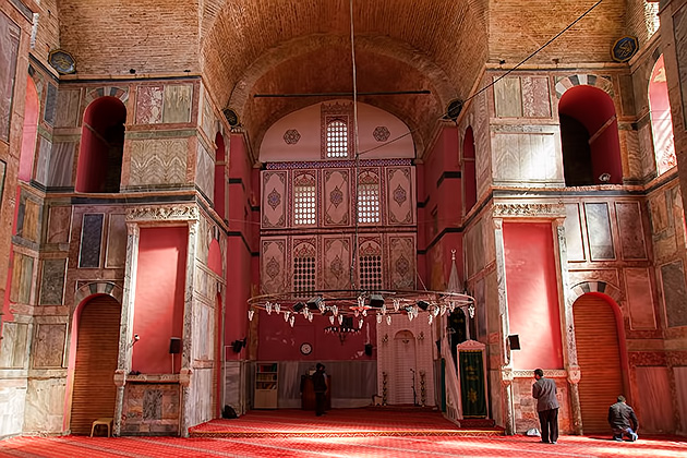 Red-Mosque-Istanbul