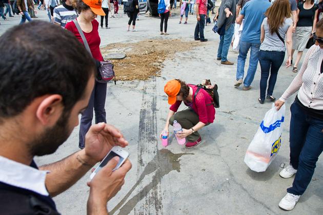 Cleaning Gezi Park