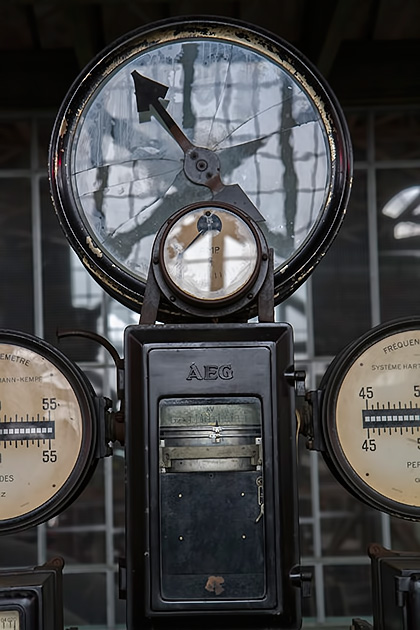 AEG-Scale