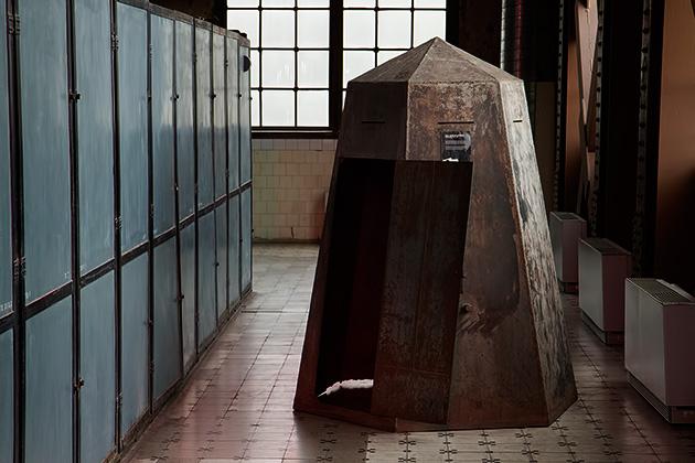 Iron-Hut