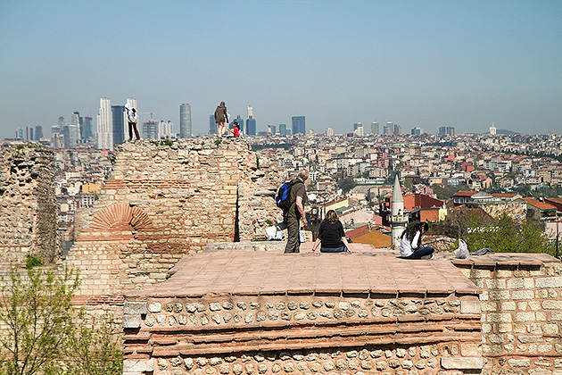 The-Wall-Istanbul