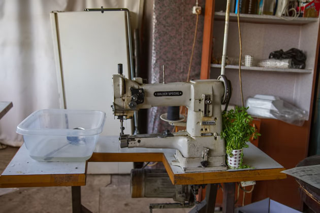 Sawing In Istanbul