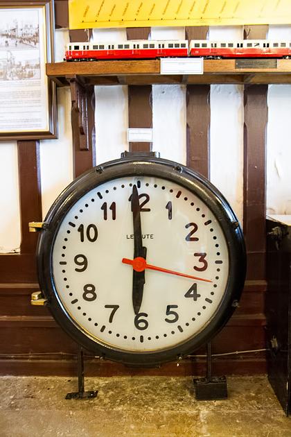 Sirkeci Station Clock