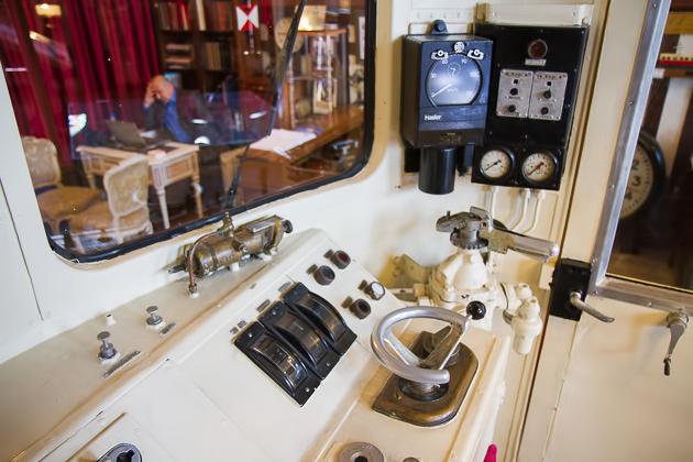 Pult Orient Express