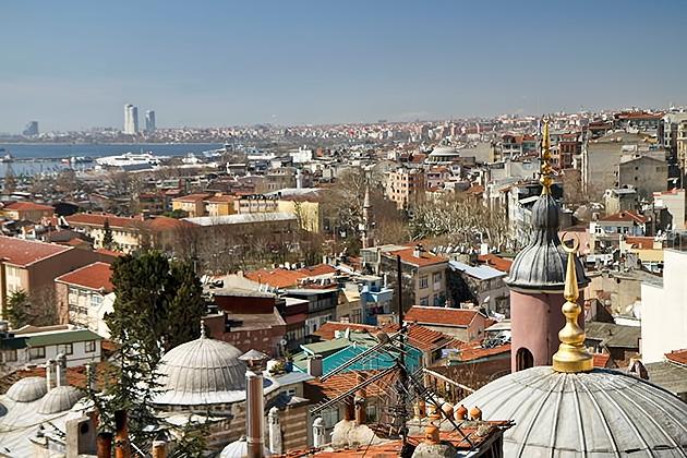 Overlooking-Istanbul