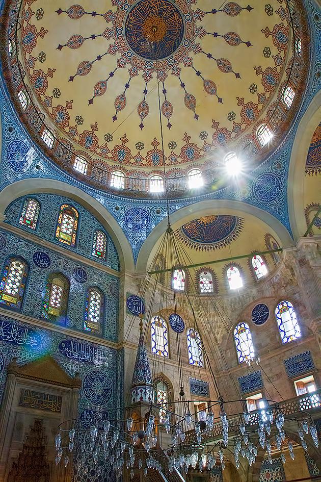 Sokollu-Mehmet-Pa%c5%9fa-Camii-Inside