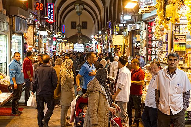 Busy-Bazaar-Istanbul